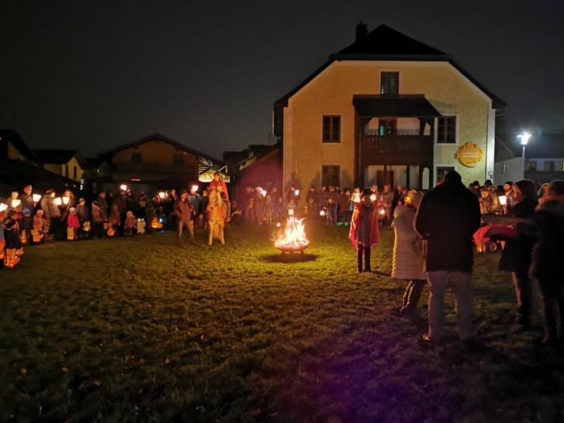 Lebkuchenduft, Kerzenschein und leuchtende Kinderaugen