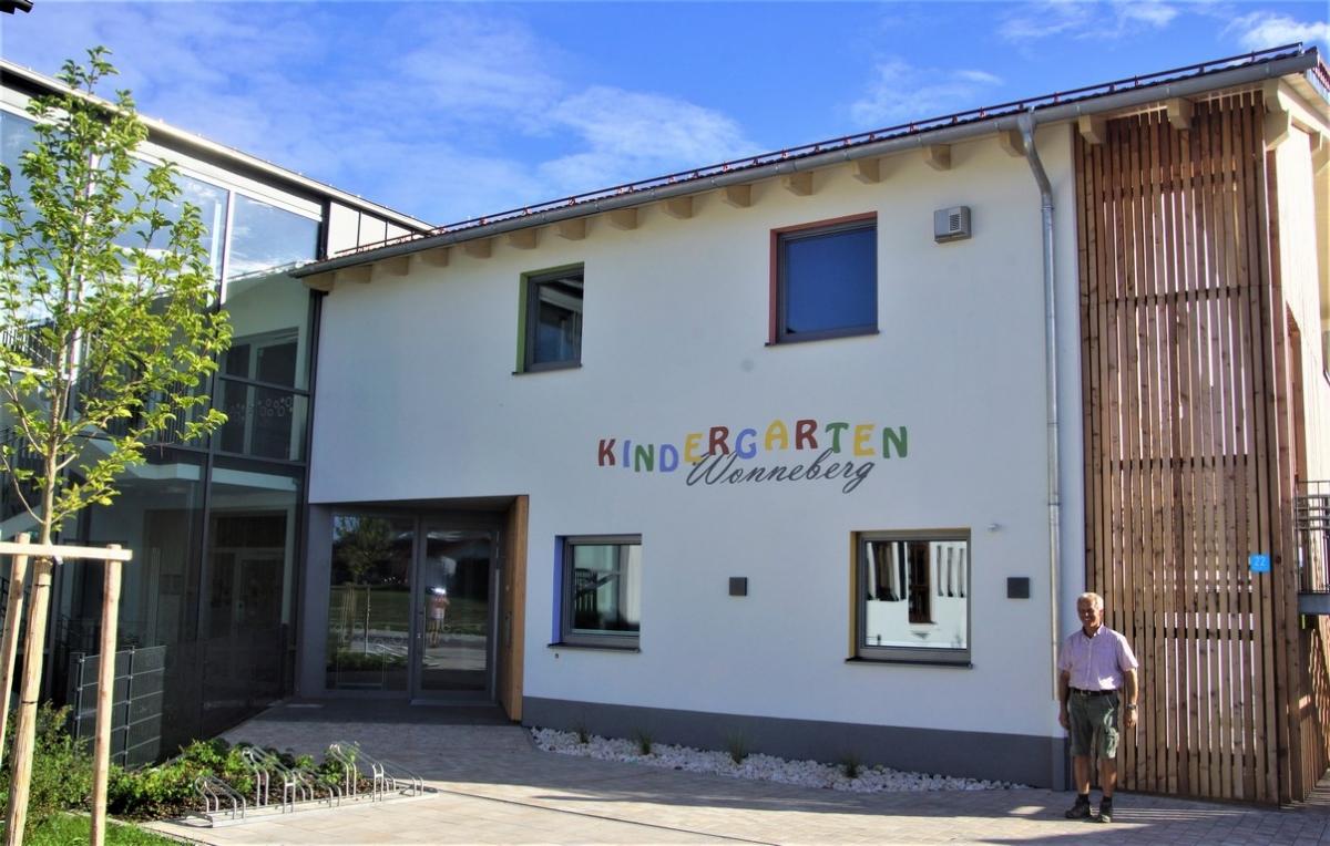 Bürgermeister Martin Fenninger ist stolz auf den neuen Kindergarten, dessen Bau er mit viel Liebe, Kreativität und Akribie begleitet hat.