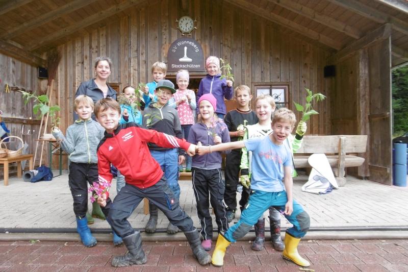 Kräuterwanderung im Rahmen des Ferienprogramms der Freien Bürgerliste Wonneberg